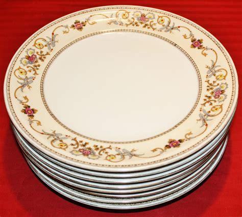china sets for 8 set of 8 royal embassy wheeling heirloom china dinner 5397