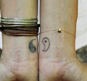 Bedeutung Yin Und Yang : 50 kleine tattoos ideen f r motive mit bedeutung ~ Frokenaadalensverden.com Haus und Dekorationen