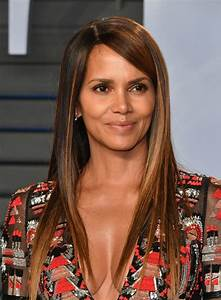 Halle Berry At 2018 Vanity Fair Oscar Party in Beverly ...