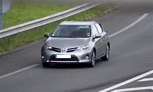 Avis Toyota Auris Hybride : test toyota auris 1 8 hsd hybride 136 cv 32 32 avis 16 2 20 de moyenne fiabilit ~ Gottalentnigeria.com Avis de Voitures