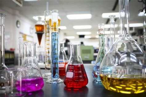 kimyager ne  yapar bilgeyik