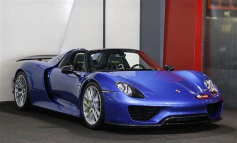 blue porsche spyder metallic blue porsche 918 weissach is a sight to behold