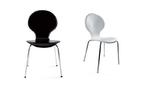 chaises blanches pas cher idee peinture carrelage salle de bain