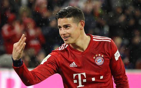 James rodriguez given controversial penalty. Bayern Munich : le triplé de James Rodriguez peut-il faire changer d'avis Zidane ? - Ninfo