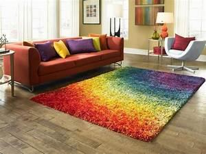 Teppich Unter Sofa : 30 wohnzimmereinrichtung beispiele mit charme ~ Frokenaadalensverden.com Haus und Dekorationen