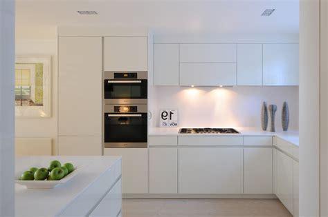 armoire cuisine ikea cuisine cuisine sienne brico depot avec jaune couleur