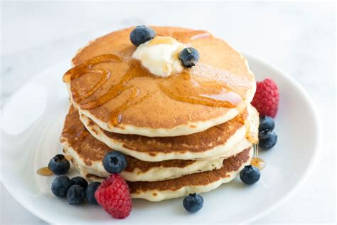 pancake recipie easy fluffy pancakes recipe from scratch