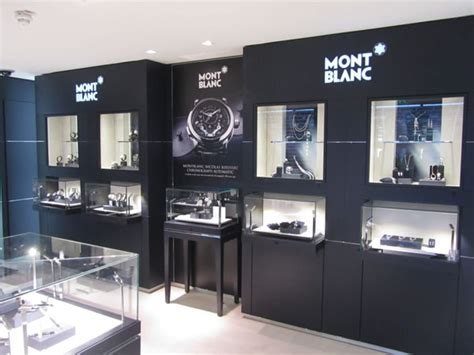 montblanc expands leathergoods with lightweight signature collection the moodie davitt report
