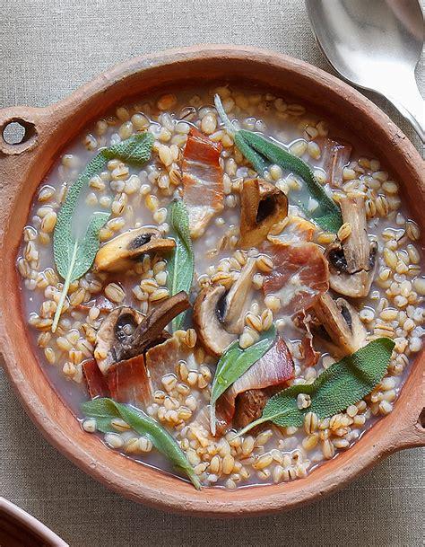 orge recettes cuisine soupe orge et sauge pour 4 personnes recettes à table