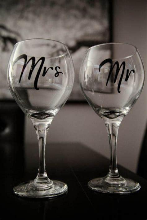 diy des verres personnalises juste pour les maries