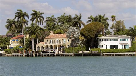U.s. Luxury Home Sales To Slow In 2019