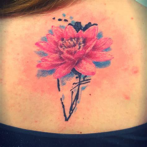 tatuaggio fiore stilizzato tatuaggi tattoos way reggio calabria tatuaggi reggio