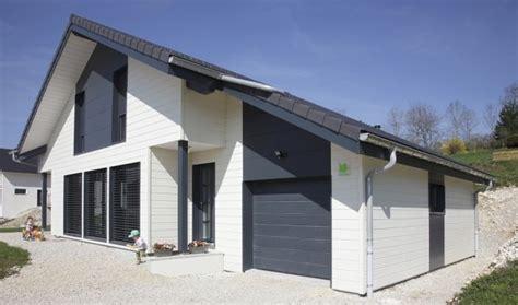 maison bardage bois gris comment entretenir une maison en bois bienchezmoi