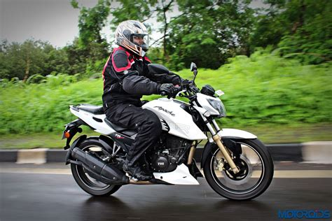 Review Tvs Apache Rtr 200 4v by Tvs Apache Rtr 200 4v Term Review And Induction