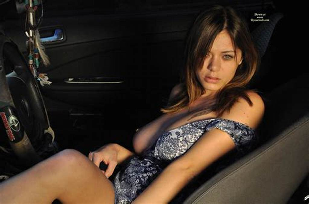 #Hot #Chick #Flashing #Tits #In #Car