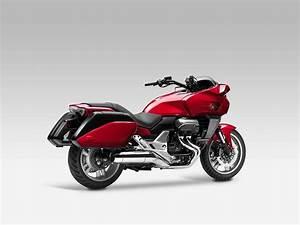 Honda Ctx 1300 : honda ctx1300 2014 on review mcn ~ Medecine-chirurgie-esthetiques.com Avis de Voitures