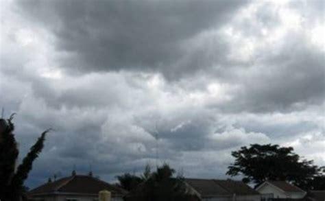 awan cumulus nimbus tutup wilayah yogyakarta tribunnewscom