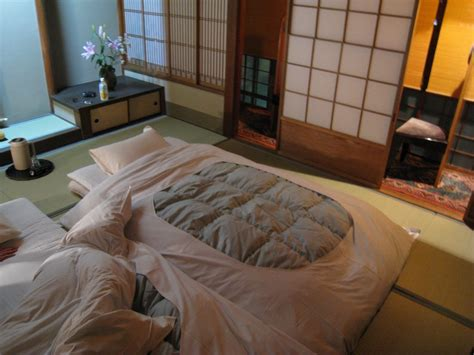 Advantages And Disadvantages Of Sleeping On Futons