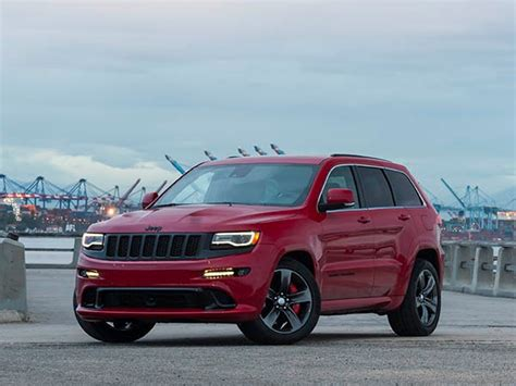 jeep grand cherokee srt red 2015 jeep grand cherokee srt quick take seeing red