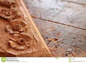 Video Travail Du Bois : table de travail de travail du bois de menuiserie avec le ~ Dailycaller-alerts.com Idées de Décoration