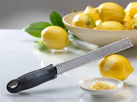 couteaux de cuisine japonais zesteur râpe microplane noir meilleurduchef com