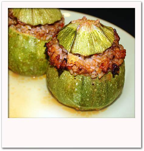 cuisiner des courgettes rondes courgettes rondes farcies pour 4 personnes recettes