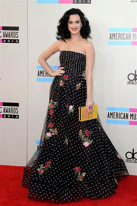 PICCONN: PHOTOS: Celebs At The American Music Awards 2013