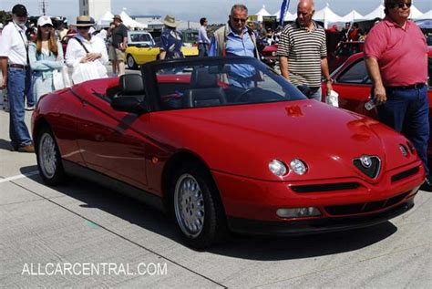 1998 Alfa Romeo Spider Photos, Informations, Articles