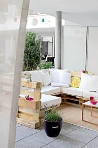 Möbel Aus Baumstämmen : diy m bel aus euro paletten selber bauen ~ Frokenaadalensverden.com Haus und Dekorationen