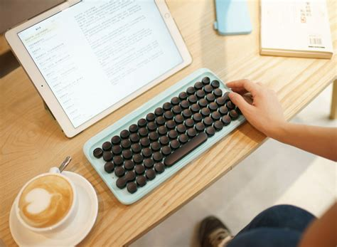 review  lofree mechanical keyboard inspired  typewriters