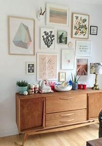 les 25 meilleures idees de la categorie mur d39affiches sur With affiche chambre bébé avec canape fleur