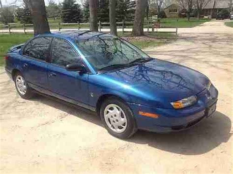 find   saturn sl base sedan  door  great car