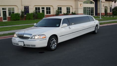 Stretch Limousine Car by Lincoln Stretch Limo The Limo And Sedan