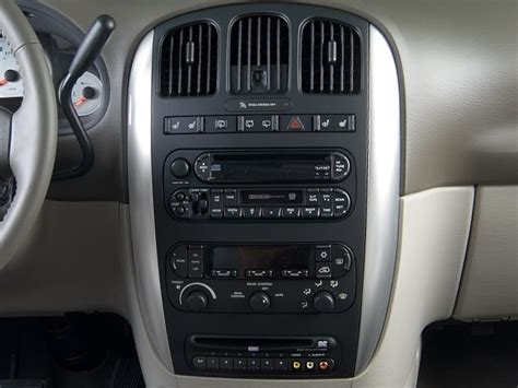 2006 Chrysler Town And Country Reviews by 2006 Chrysler Town Country Reviews And Rating Motortrend