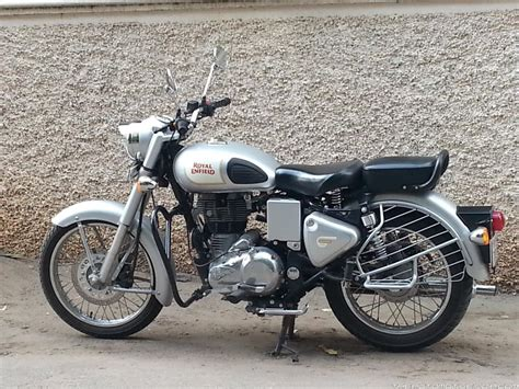 Royal Enfield Classic 350 Image by The Rider Royal Royal Enfield Classic 350