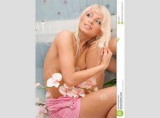 bathroom blonde 28 images beautiful skinny blonde in