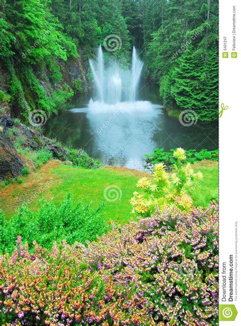 ross fountain  butchart gardens royalty  stock