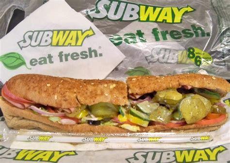 cuisine subway subway order food 30 reviews sandwiches