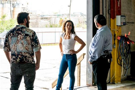 Love 'Queen of the South'? Watch These 5 Shows to Hold You ...