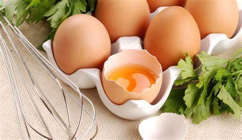 cuisiner des blancs d oeufs quelles recettes réaliser pour utiliser les blancs d 39 œufs