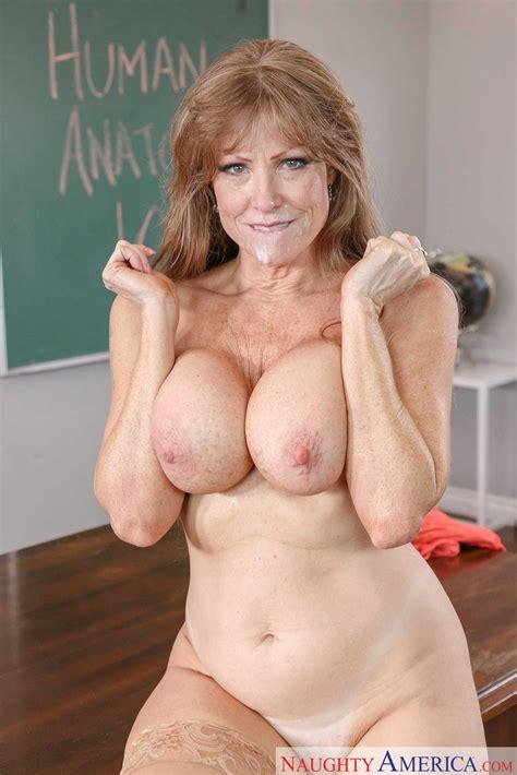 Hot professor Darla Crane seduces her student - My Pornstar Book