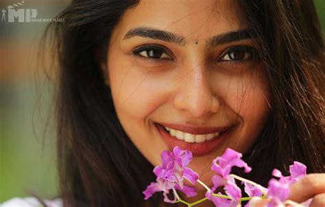 actress lakshmi daughter aishwarya aishwarya lekshmi profile biography photos