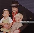 Singer/Songwriter Michael Jackson with children Paris ...