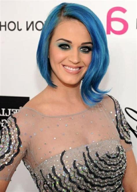 ideen fuer coole frisuren zum thema blaue haare