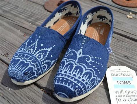 painted canvas shoes ideas  pinterest painted