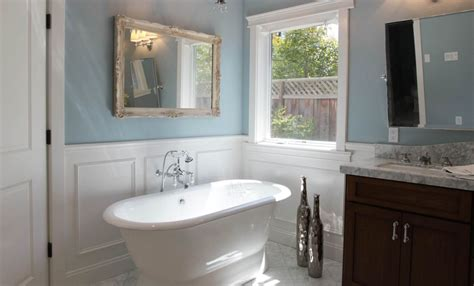 Bathroom With Wainscoting Ideas by Bathroom Wainscoting What It Is And How To Use It