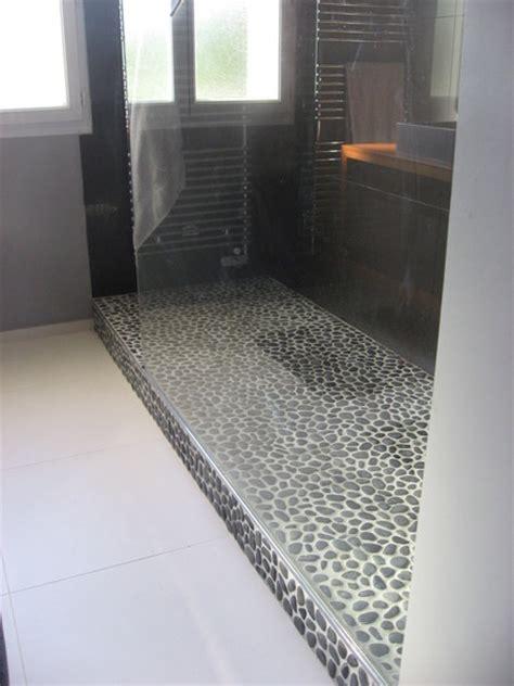 carrelage damier noir et blanc cuisine une salle de bains sur mesure galerie photos d 39 article 5 6