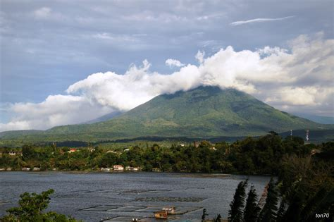 top 10 cuisines in the saloc lake the largest and premier lake of san pablo