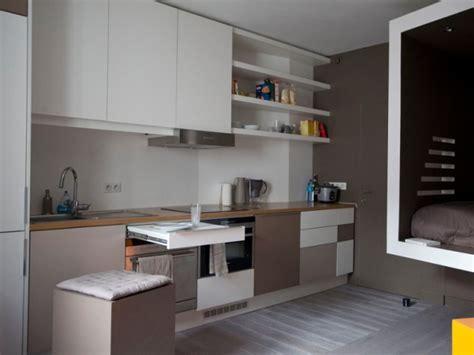 cuisine equip馥 studio aménager un coin cuisine dans un studio 10 kitchenettes astucieuses