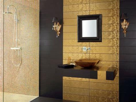 salle de bain noir et or le carrelage mural de salle de bain